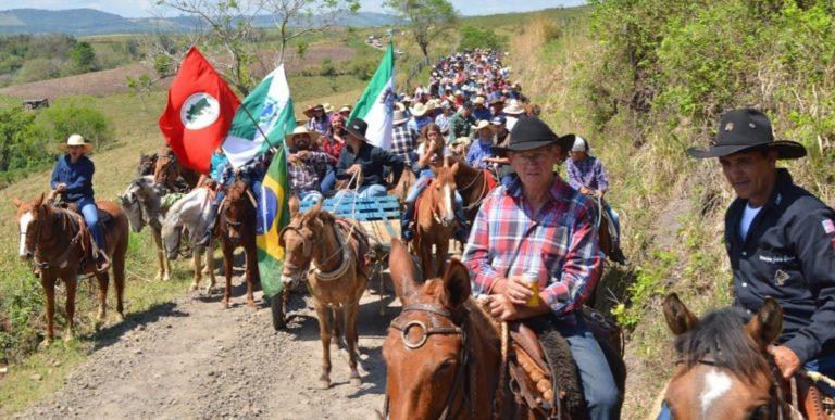 Cavalgada da Amizade reúne 500 cavaleiros em acampamento no Paraná