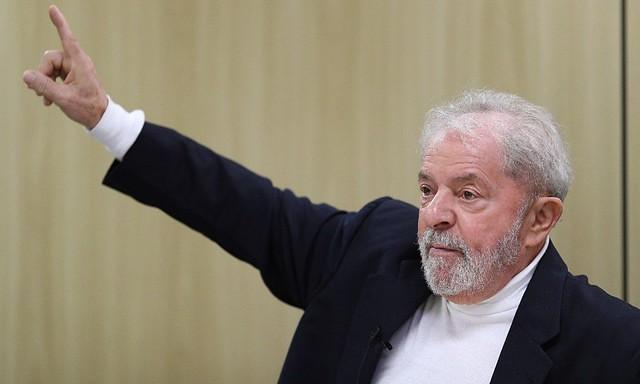 Procuradores da Lava Jato pedem regime semiaberto para Lula