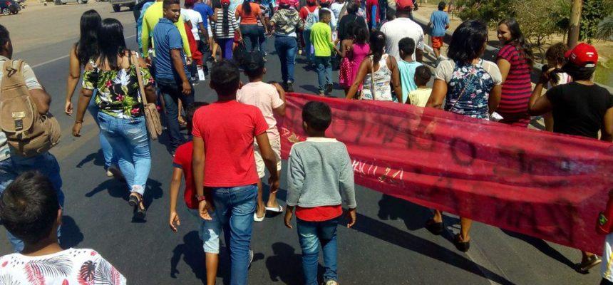 Protesto em Juazeiro (BA) traz pauta sobre mercado de trabalho e direito à terra