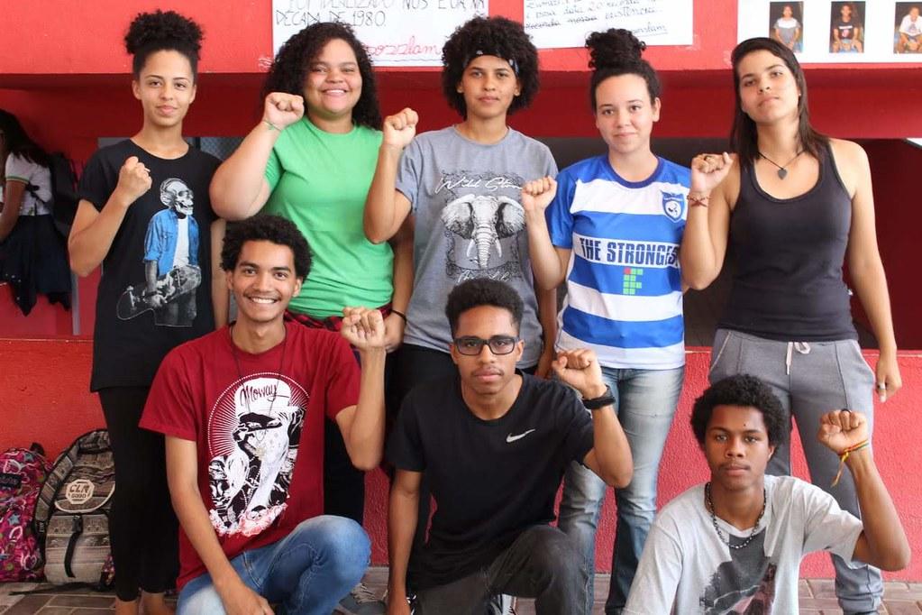Coletivo UnirVersosSlam Foto Divulgação.jpg