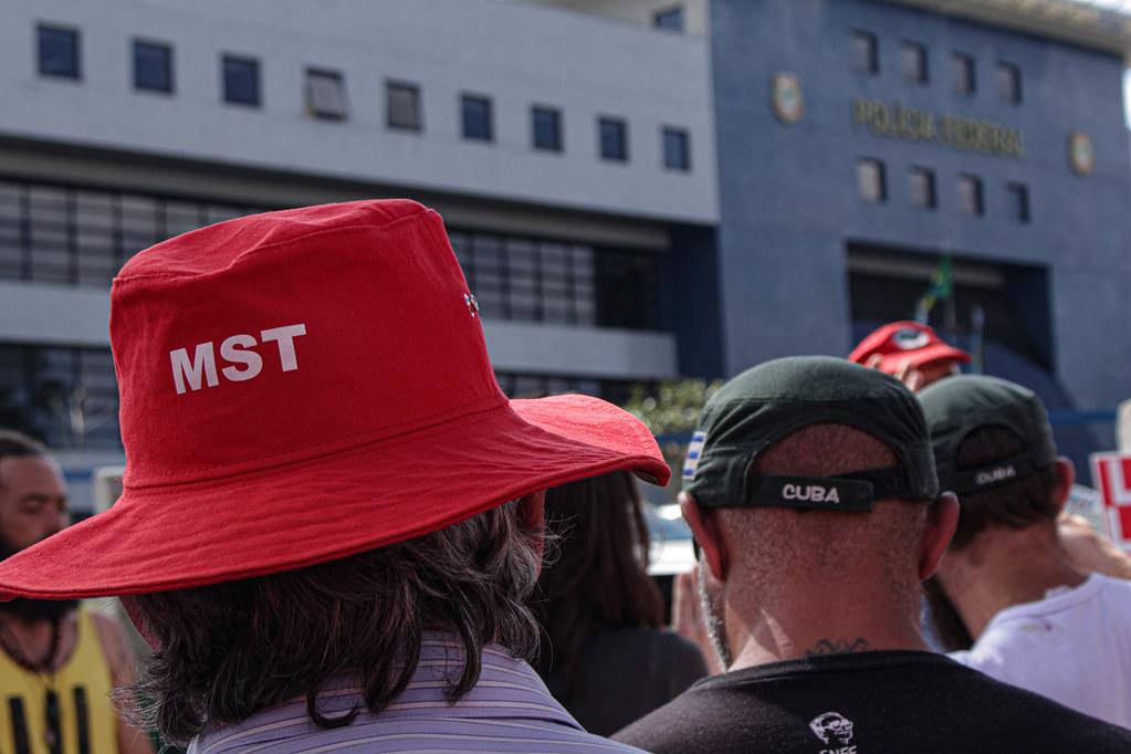Saudação ao Lula.jpg
