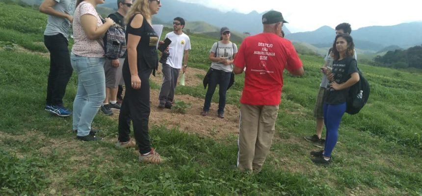 Durante visita, estudantes se posicionam contra despejo do assentamento PDS Osvaldo de Oliveira