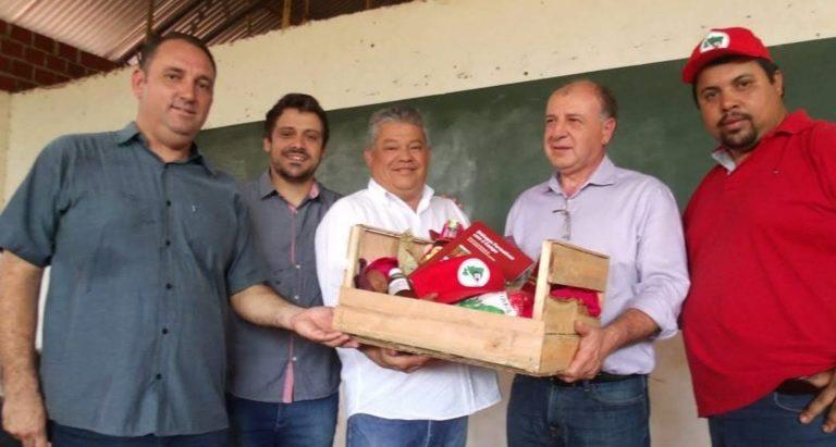 Secretário de Desenvolvimento Urbano do Paraná visita comunidade da reforma agrária