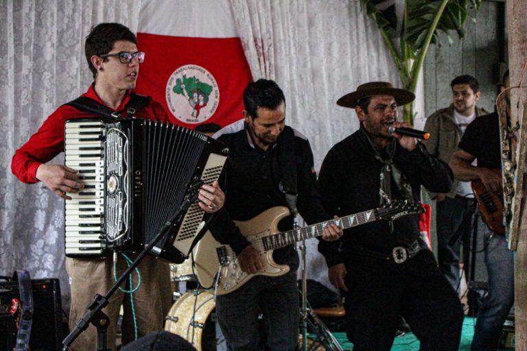 Comunidade do MST em Ponta Grossa comemora 17 anos de produção e luta no PR