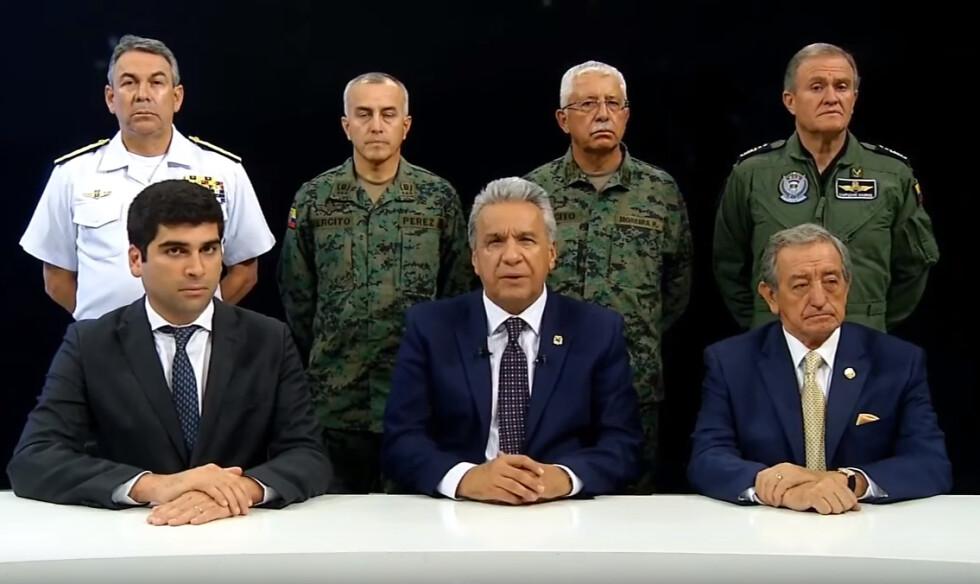 [198]Presidente Lenín Moreno (centro) transferiu sede do governo equatoriano de Quito para Guayaquil.png