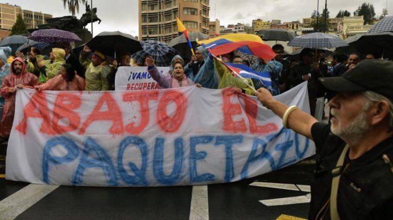 milhares saem às ruas contra a política neoliberal do Governo