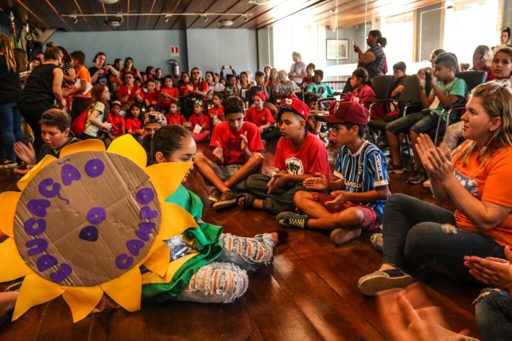 Ato em defesa da educação pública de qualidade lotou o Memorial do Legislativo. Foto Leandro Molina. (2).png