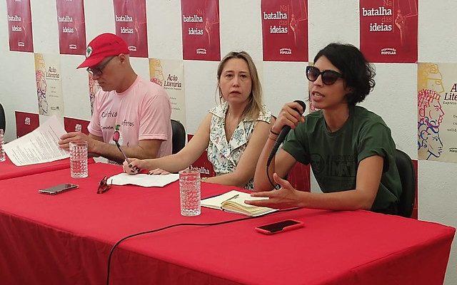 """""""Comer é um ato político"""", diz Bela Gil em debate da Expressão Popular"""