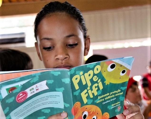 Livro Pipo e Fifi_Thais Silveira.jpg