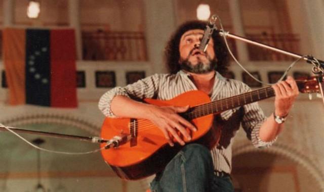 [237] bAli Primera (1941-1985) foi um militante comunista e um dos principais cantores da música tradicional venezuelana.jpg