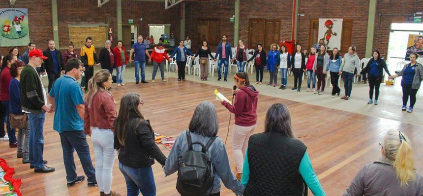 Encontro discute a resistência ativa em escolas públicas do RS
