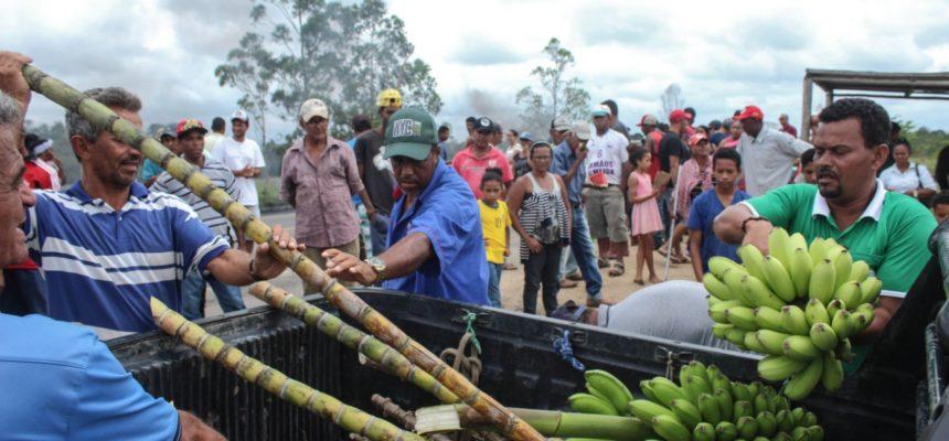 MST faz protestos por famílias despejadas no Norte da Bahia