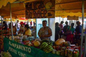 MST realiza II Feira da Reforma Agrária em Governador Valadares