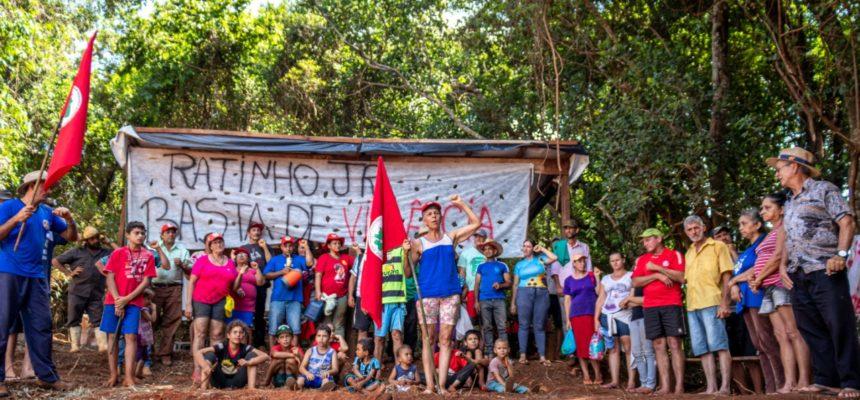 Resistência: MST faz vigília contra despejos no Paraná