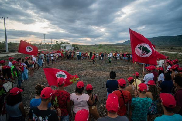 Durante acampamento, Juventude Sem Terra planta 1000 árvores em Alagoas