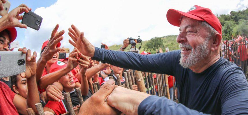 MST acompanha comitiva de Lula em viagem à Europa