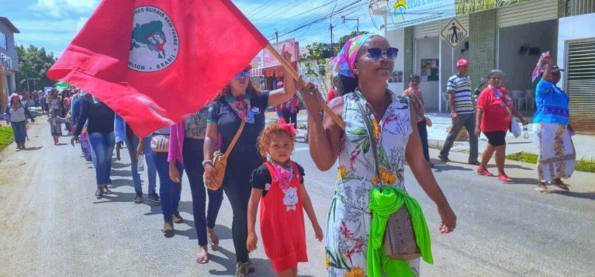 Mulheres Sem Terra ocupam as ruas de Juazeiro (BA) contra políticas do governo Bolsonaro