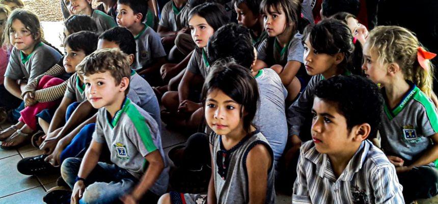 Crianças Sem Terrinhas ameaçadas de despejo enviam carta ao governador do Paraná