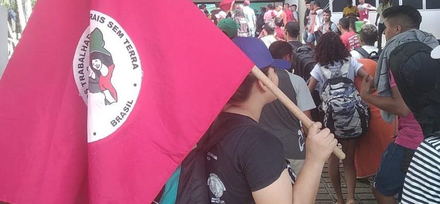 Vindos de todo o estado, trabalhadores Sem Terra ocupam sede do Incra em Fortaleza