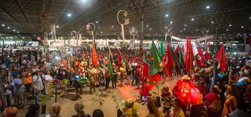 Dilma Rousseff participa de encontro das mulheres Sem Terra em Brasília