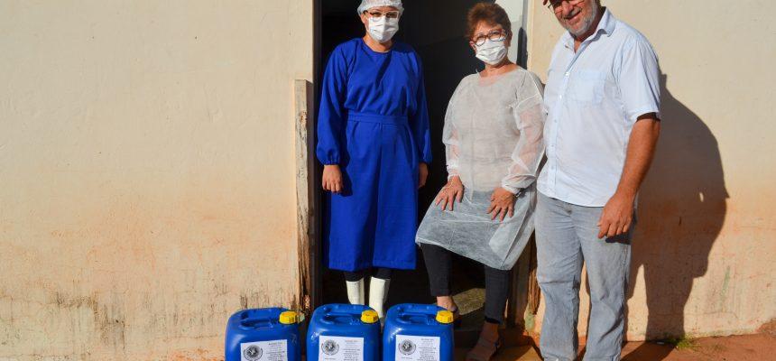 Cooperativa do MST doa álcool 70% para hospital no Paraná