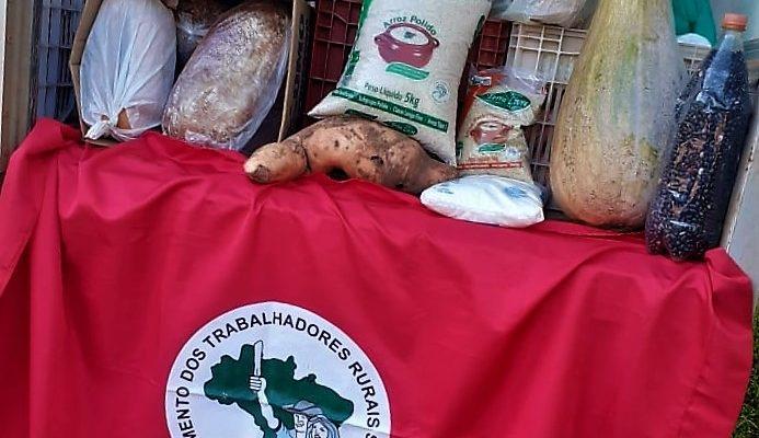 Sem Terra de Manoel Viana doam alimentos saudáveis em tempos de Coronavírus