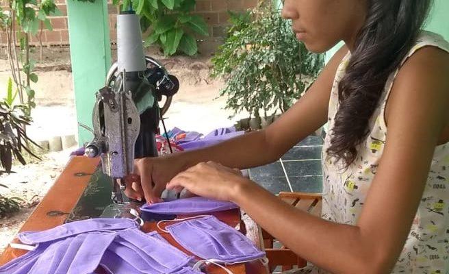 No sertão de Alagoas, MST confecciona e doa máscaras no combate à COVID-19