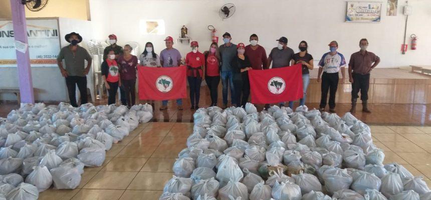 """Para combater a """"pandemia da fome"""", MST já doou mais de 600 toneladas de alimentos"""