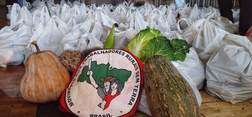 MST doa 5 toneladas de Alimentos a mais de 500 famílias em Quedas do Iguaçu, no Paraná