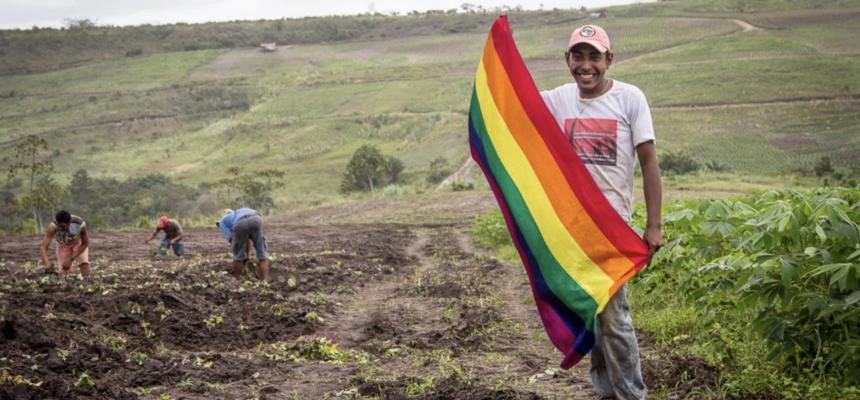 """Documentário """"LGBT Sem Terra: o amor faz revolução"""""""