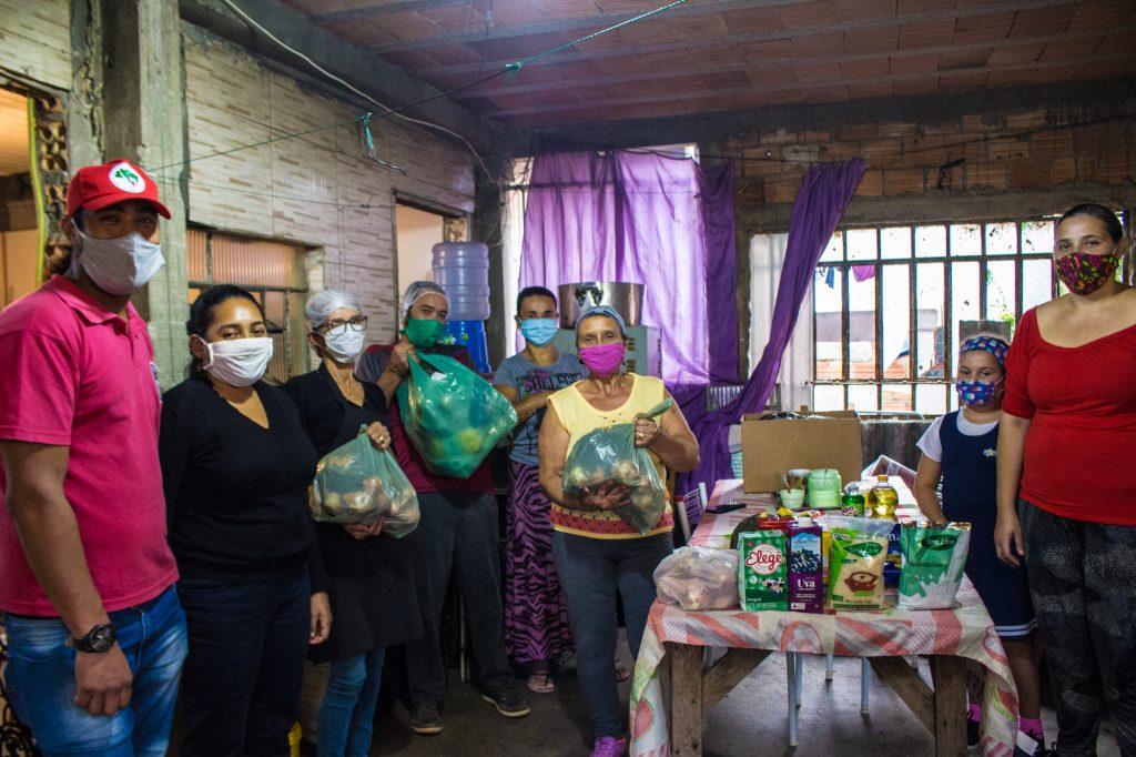 MST doou mais de 40 toneladas de alimentos na região Metropolitana de Porto Alegre e diz que seguirá doando. Foto - Maiara Rauber