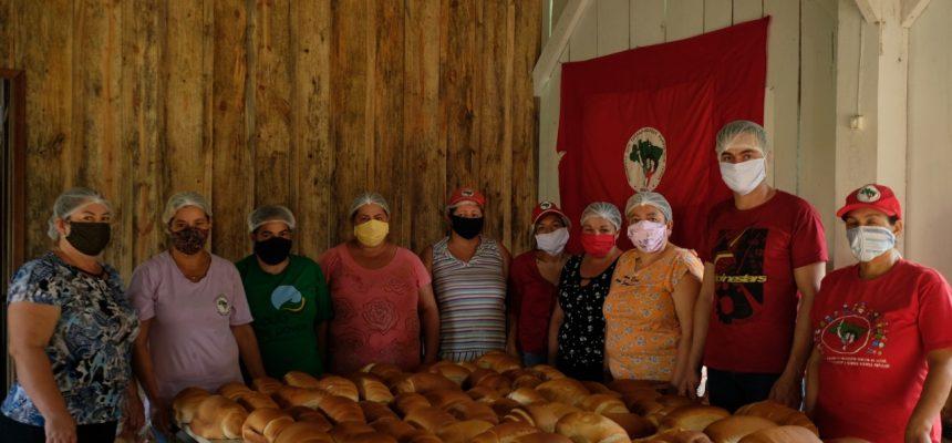 Sem Terra e petroleiros se unem para doar alimentos e gás de cozinha em Curitiba