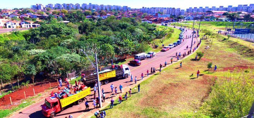 Terra que gera partilha: MST doa 44 toneladas de alimentos no norte do Paraná