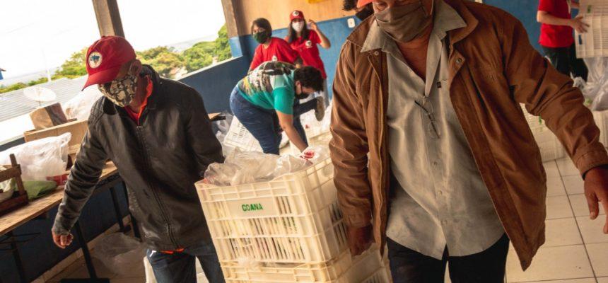 Assentamentos do MST doam 340 cestas de alimentos a famílias do noroeste do Paraná