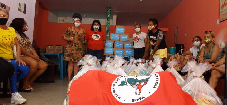 MST distribui 400 cestas básicas na periferia de Belém (PA)