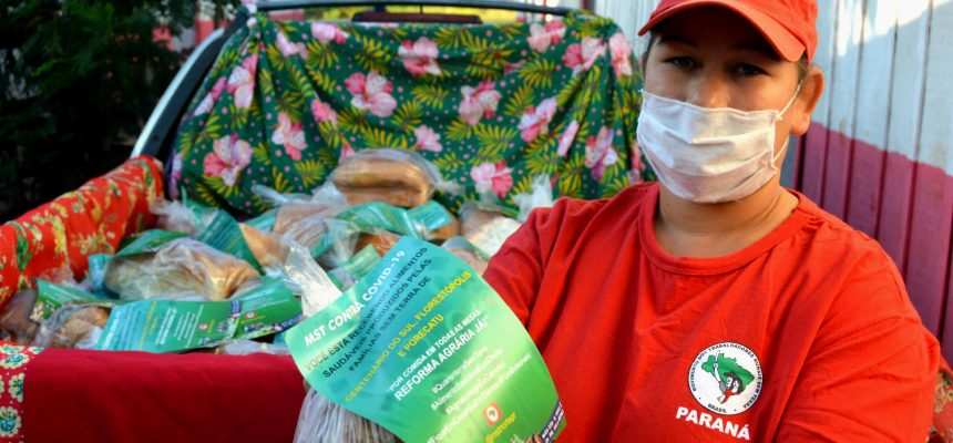 Famílias do MST celebram o Dia da Agricultura Familiar com partilha de alimentos no Paraná