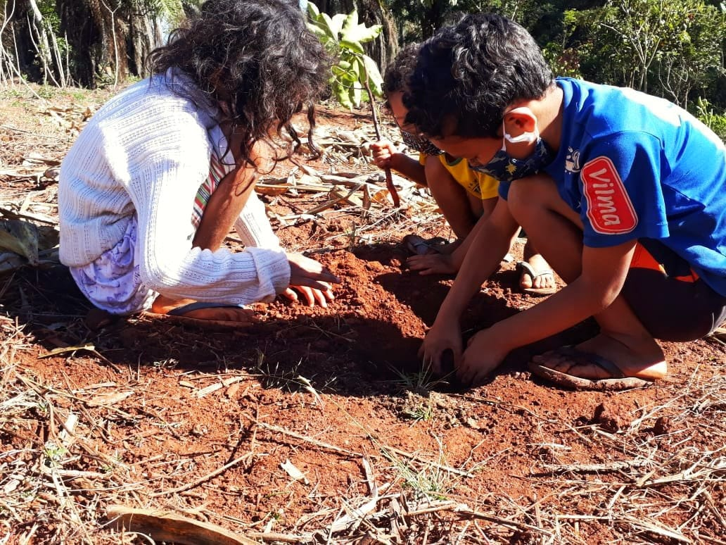 Nota de repúdio: Bolsonaro extingue Plano Nacional de Juventude e Sucessão Rural