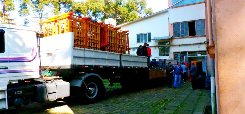 Instituto de Educação Josué de Castro do MST doa mais de 600 móveis à Porto Alegre
