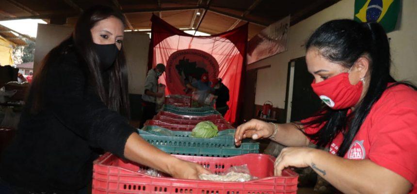 Terras repartidas que geram alimentos agroecológicos e solidariedade