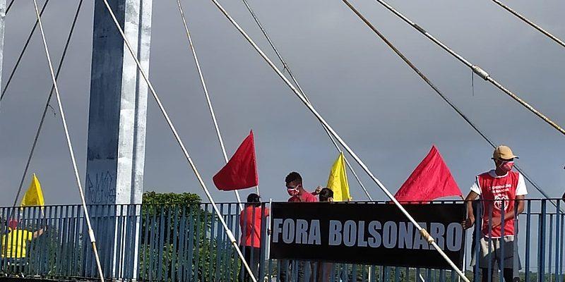 """""""Fora, Bolsonaro"""": acompanhe as mobilizações do Dia de Luta e Luto minuto a minuto"""