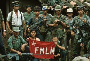 Combatentes da Frente Farabundo Martí para a Libertação Nacional (FMLN), de El Salvador; movimento completa 40 anos em 2020