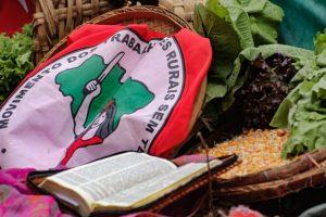 Combater a fome e nutrir a resistência: União de movimentos doa 3 mil marmitas no PR