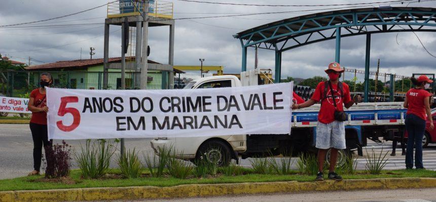 MST em Minas realiza ato na porta da mineradora Vale, 5 anos após crime em Mariana