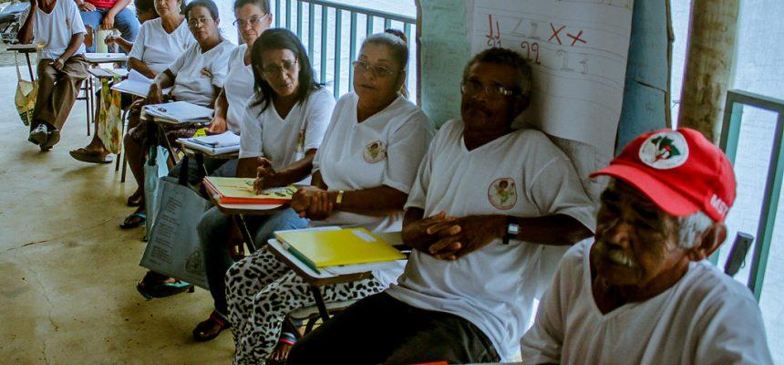 Como foi a experiência do programa de alfabetização 'Sim, eu Posso' na Bahia