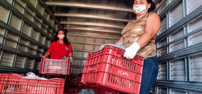 Camponesas do MST partilham 6 toneladas de alimentos com mulheres da periferia de Londrina/PR