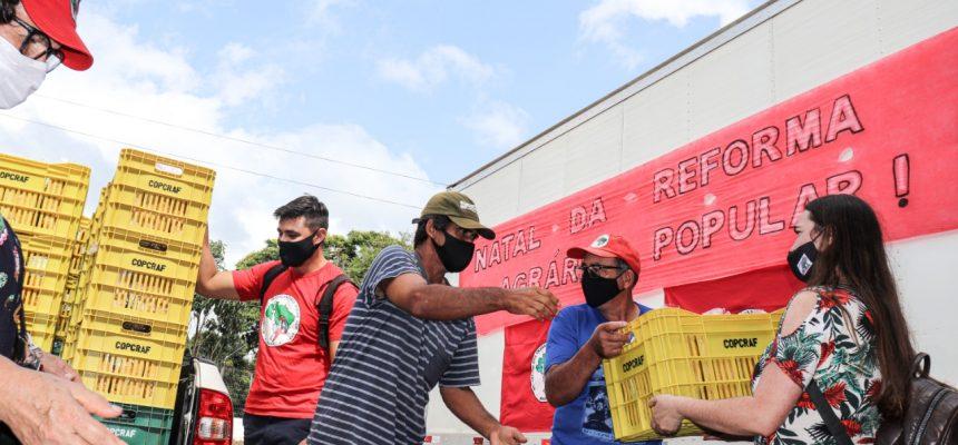 Com ação de Natal, MST  ultrapassa 500 toneladas de alimentos doados no Paraná