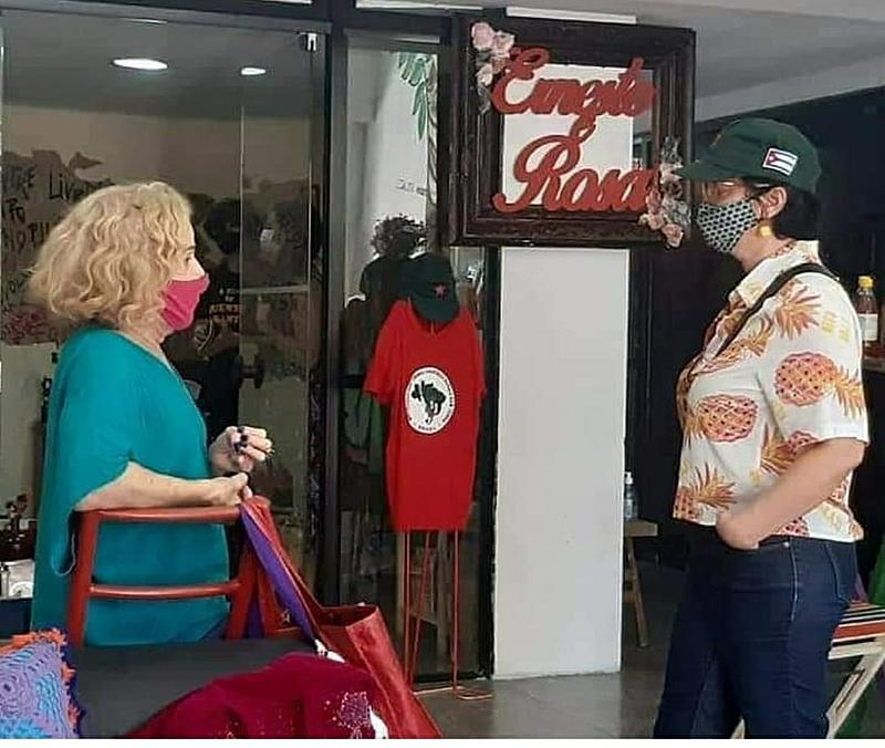 Em Fortaleza, Espaço Ernesto e Rosa reúne livros, arte e alimentos da Reforma Agrária