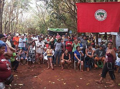 """Justiça suspende despejo de famílias que o governo """"desistiu"""" de assentar em Goiás"""