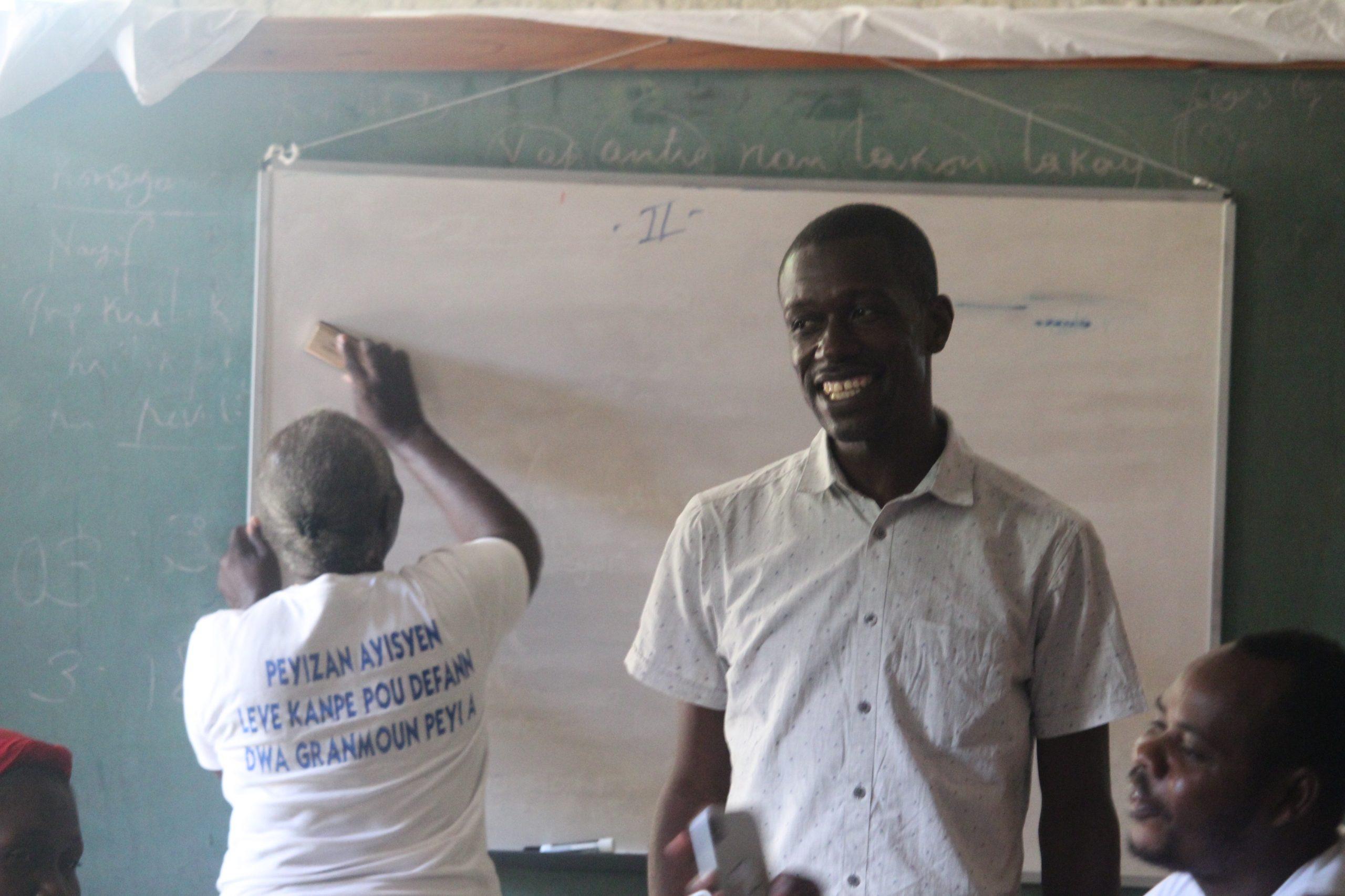Haiti, Formação em Comunicação Popular