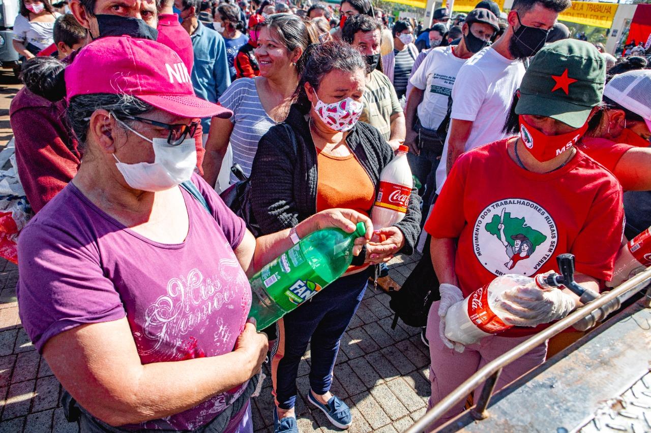 No Paraná, Dia da Agricultura Familiar é marcado pela doação de 48 toneladas de alimentos